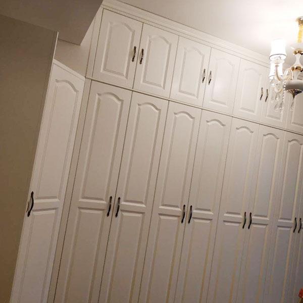 实木定制衣柜